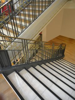 Nez de marche d'escalier
